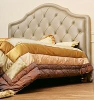 Kate, Klassisches Doppelbett mit gepolstertem Kopfteil getuftet