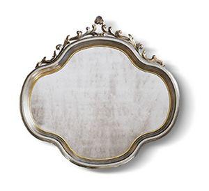4556, Klassischer Spiegel mit kostbaren Schnitzereien