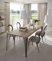 Malaga Tisch, Tisch mit Eisen Laser geschnitten Beinen, Eichenholzplatte