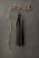 AT/501, Wandgarderoben aus Schmiedeeisen, moderner Stil