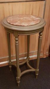 1135 KLEINER TISCH, Couchtisch mit Marmorplatte, Outletpreis