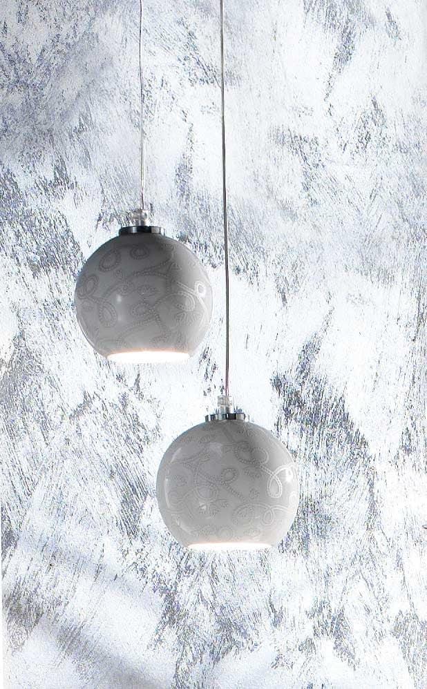 h ngeleuchte mit geschm ckten lampenschirm idfdesign. Black Bedroom Furniture Sets. Home Design Ideas