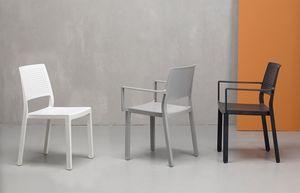 NINA P, Stapelbarer Sessel mit perforierter Rückenlehne