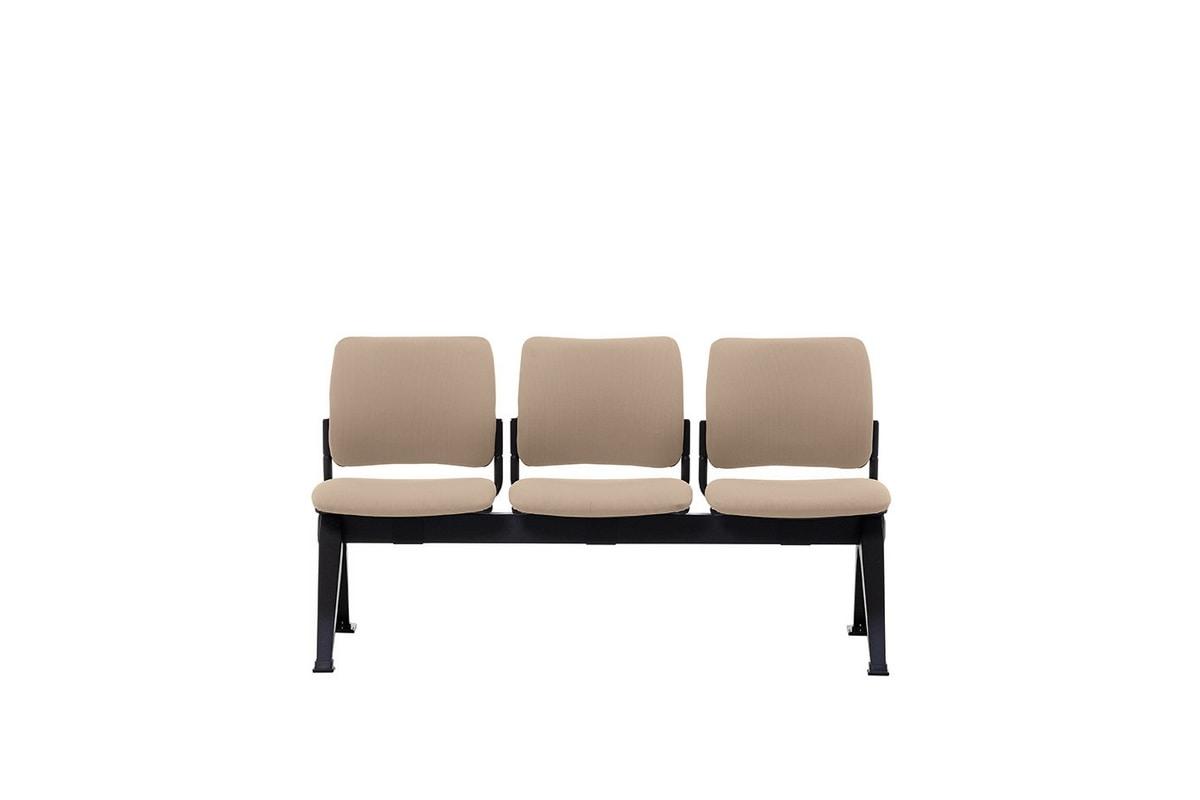 Urban Soft Bench, Gepolsterter Sitz auf dem Balken aus lackiertem Stahl