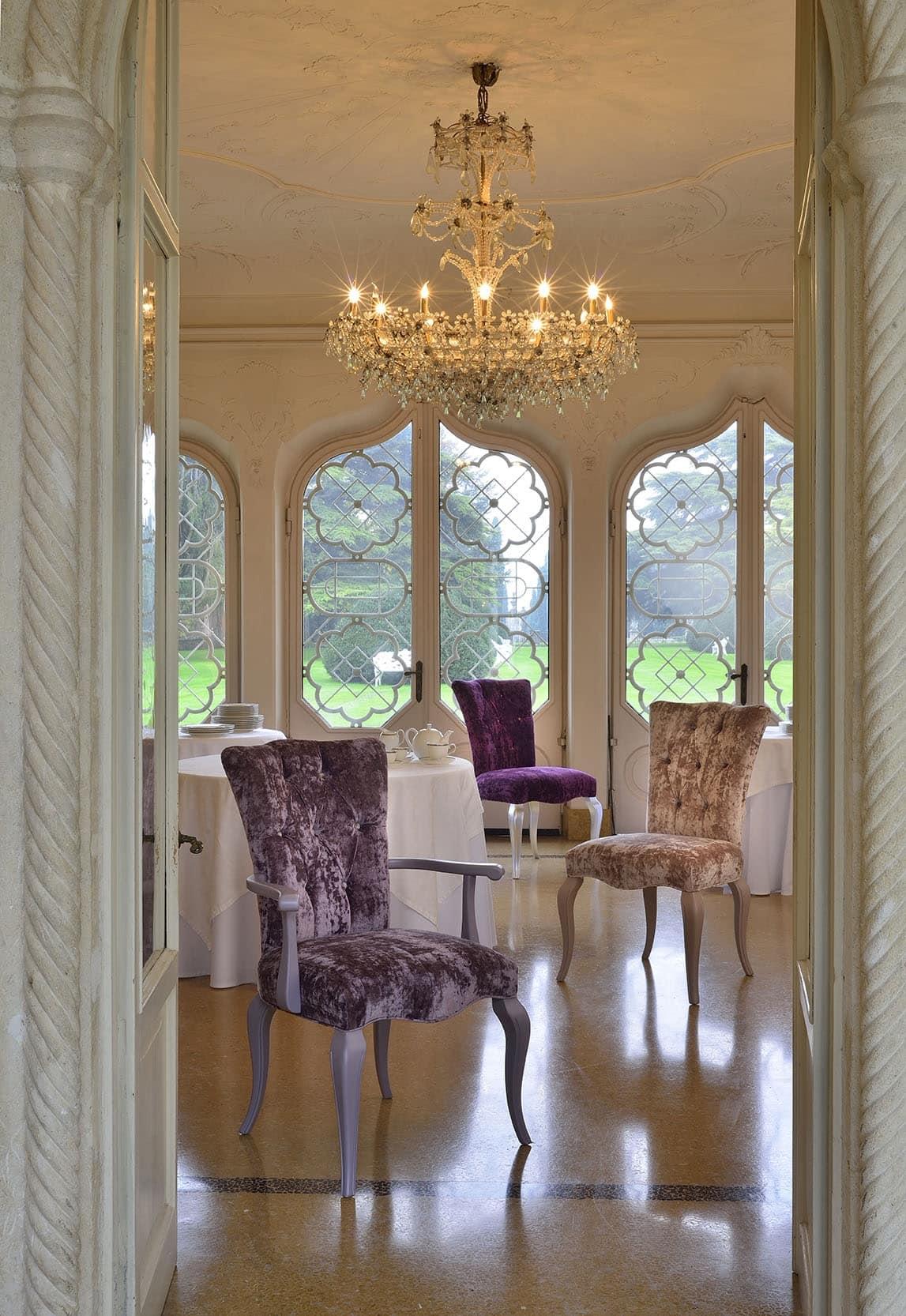 sessel mit gesteppter polsterung luxus im klassischen stil idfdesign. Black Bedroom Furniture Sets. Home Design Ideas