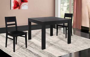 Art. 660, Ausziehbarer Tisch mit quadratischer Platte