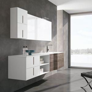 STR8 comp. 08, Badezimmerschrank aufgehängt, mit Fächern und Spiegel