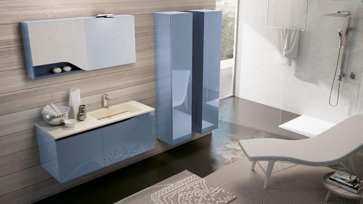 Komplette Möbel für glänzend blaue Badezimmer   IDFdesign