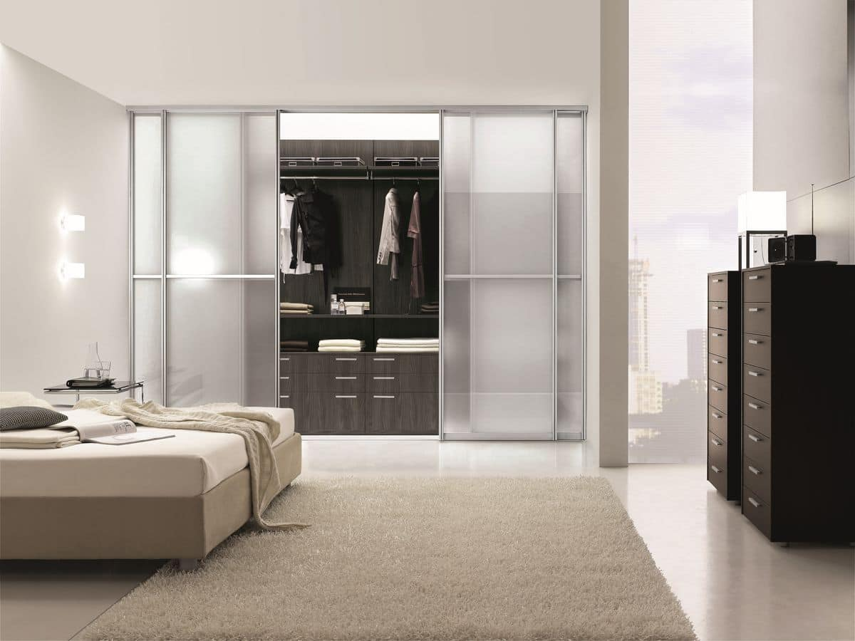 begehbarer kleiderschrank ideal f r moderne schlafzimmer idfdesign. Black Bedroom Furniture Sets. Home Design Ideas