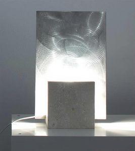 Reflex Steel, Stehlampe aus Stein, quadratische Form
