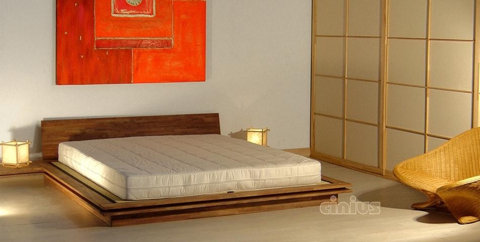 Toki, Japanisches Niedriges Bett
