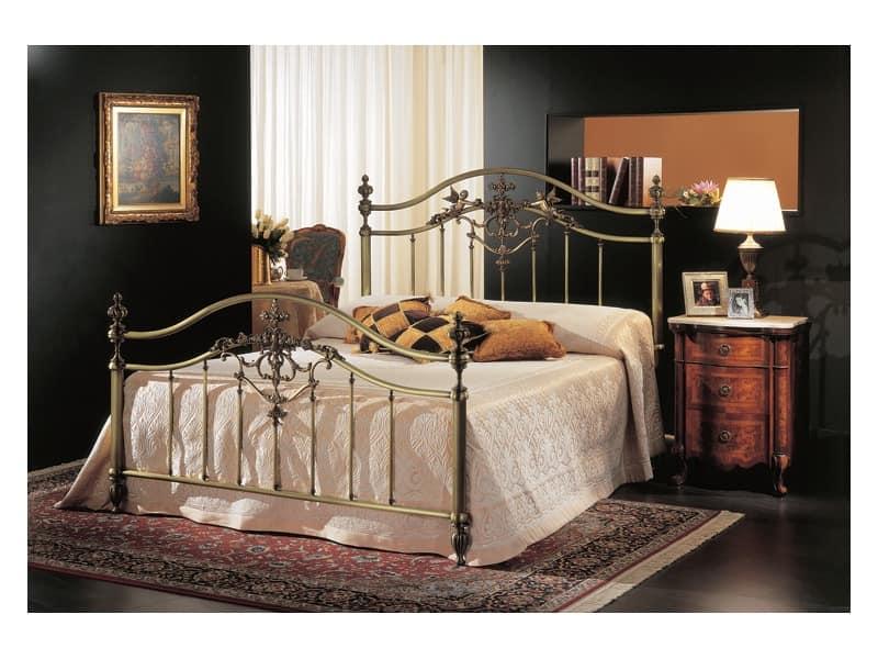 klassisches doppelbett in bronze f r hotelzimmer idfdesign. Black Bedroom Furniture Sets. Home Design Ideas
