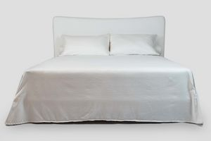 Glicine, Doppelbett mit gepolstertem Kopfteil