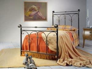 Granada, Eisen-Bett, mit Hirtenmotiv