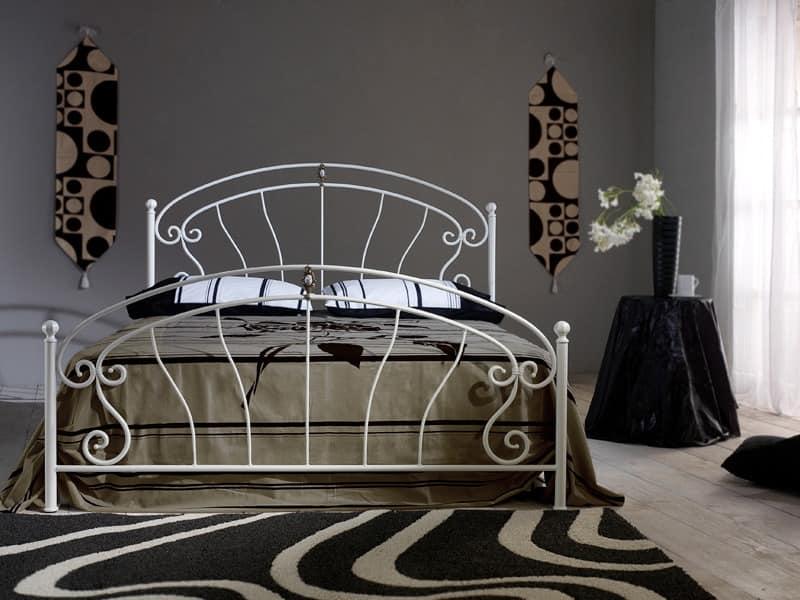 Mistral, Schmiedeeisernes Bett mit Messingguss und Keramikeinsatz