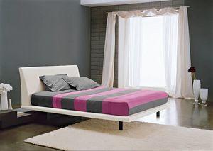 PARIDE, Bett mit Füßen und mit gepolstertem Kopfteil