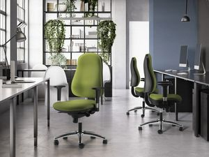 IBRA, Bürostuhl mit verstellbaren Armlehnen und hoher Rückenlehne