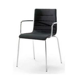 Traccia AR, Stapelbare Stuhl aus Metall, mit Brandschutzgewebe