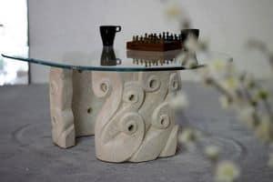 Levante, Couchtisch für Wohnzimmer, mit geschnitzten Steinsockel, oval Kristall top