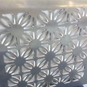 Maßgeschneiderte Dekorplatte aus Aluminium mit maßgeschneidertem Design, Dekorative Metallpaneele für Showroom und Wohnen.