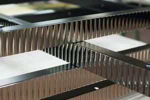 Metallprofile mit angepassten Maßnahmen, Vielzahl von Metall-Profilen, mit eigenen Maßnahmen und Oberflächen