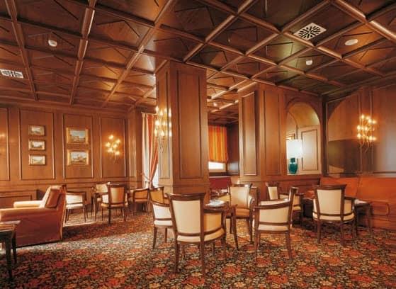 Regency Hotel Hall, Maßgeschneiderte Möbel für Hotels, Holzvertäfelungen