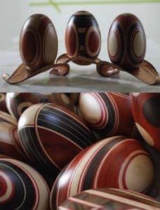 La Vita, Ergänzt in verschiedenen Hölzern gefärbt und per Hand eingelegt