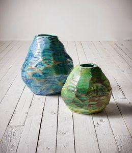 Cardo, Vasen in glänzender Emaille Hand geschliffen