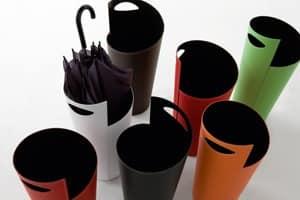 Ombo 855, Schirmständer aus lackiertem Stahl, mit Leder überzogen
