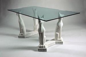 Bastet, Tisch im ägyptischen Stil