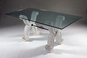 Ogma, Tische mit Sockeln aus Stein