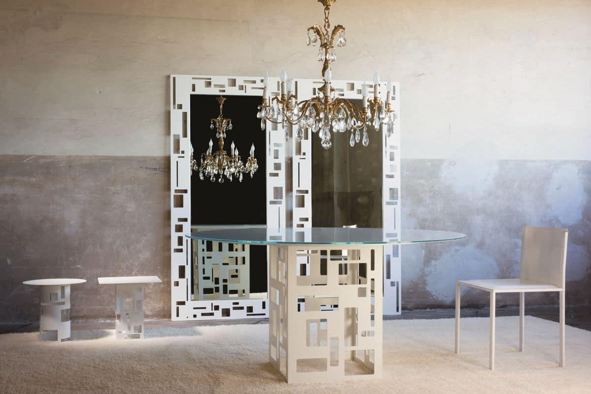 Tisch mit runder Glasplatte, Metallsockel | IDFdesign