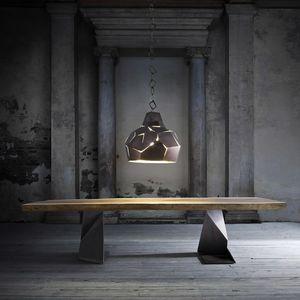 Trog, Tisch aus massivem Holz mit eisernen Beinen