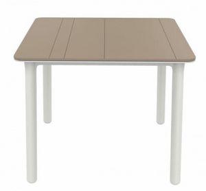 Nat, Quadratischer Tisch im Freien, für Restaurants und Hotels