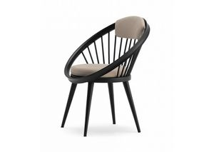Circle, Holzstuhl mit gepolsterter Sitzfläche