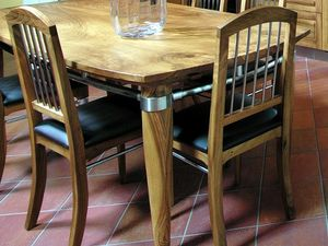 Melissa 109, Stuhl aus Walnussholz mit Details aus Stahl