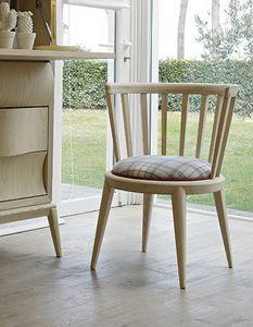 Udinì Stuhl, Stuhl aus Eschenholz