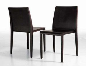 Young, Eleganter Stuhl aus Holz