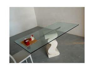 Flex tab, Tisch mit Basis aus behauenem Stein und oben in Glas