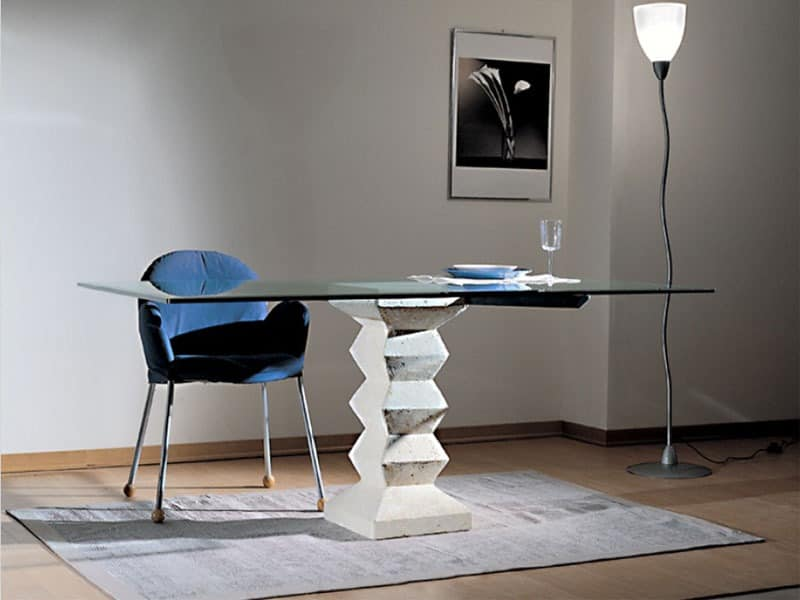 Stone, Tisch mit Abdeckplatte aus Glas, Säule aus Stein