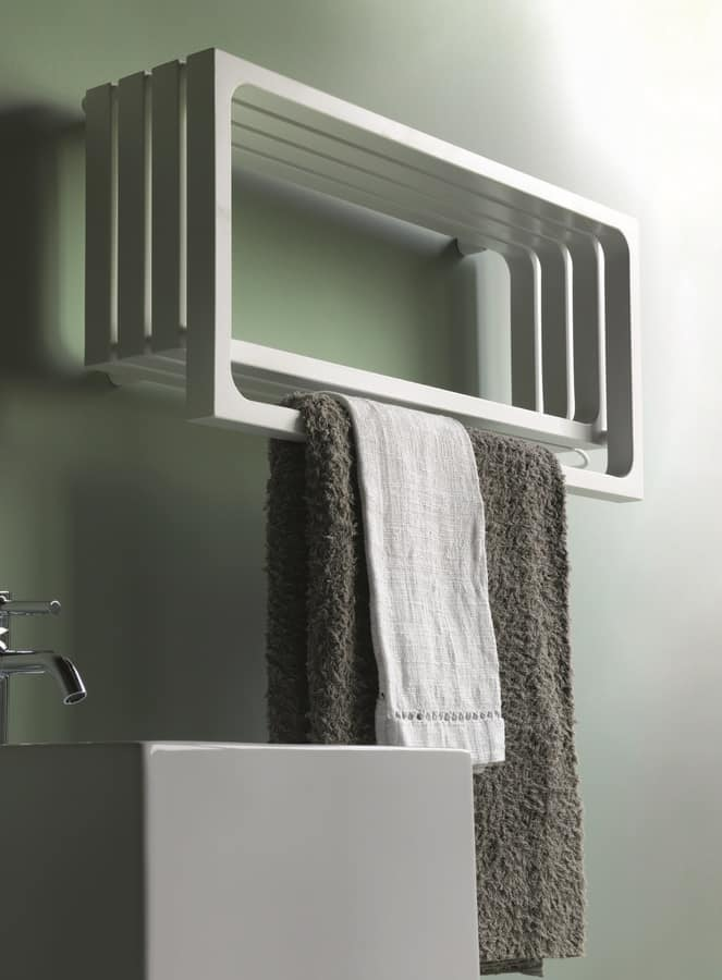 Badheizk 246 Rper Mit Handtuchhalter Und Regal Idfdesign