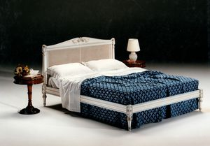 2605 Bett, Bett mit Wiener Kopfteil
