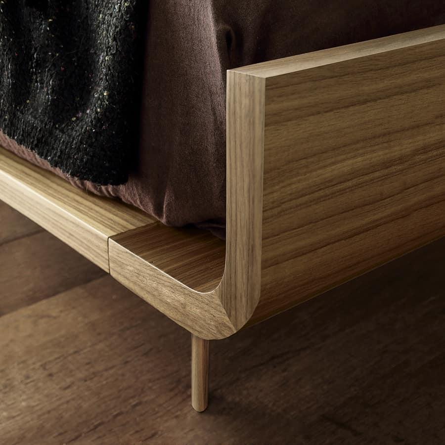 Bett aus Sperrholz gebogen und furniert | IDFdesign