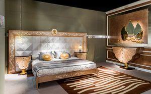 LE25K Metamorfosi, Bett mit großem Kopfteil von Hand dekoriert