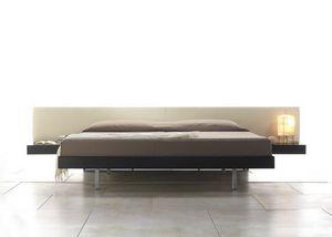 Moon, Bett mit integrierten Nachttischen