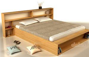 Slim, Platzsparendes Bett mit Kopfteil