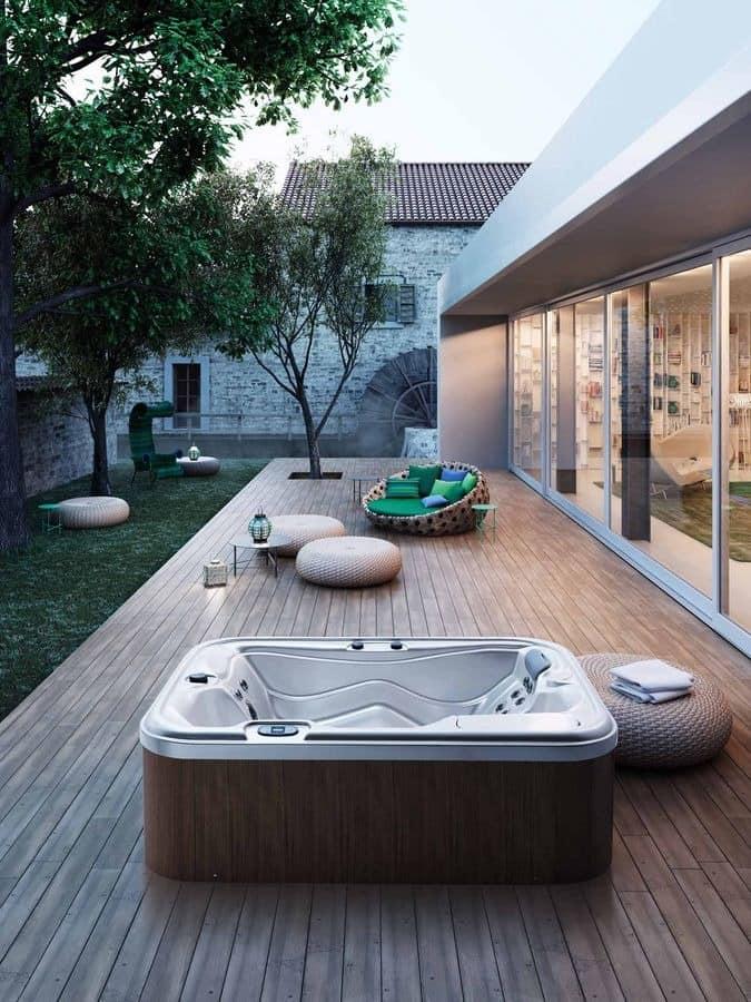 Mini Swimmingpool vom Garten, mit Whirlpool, für den Außenbereich ...