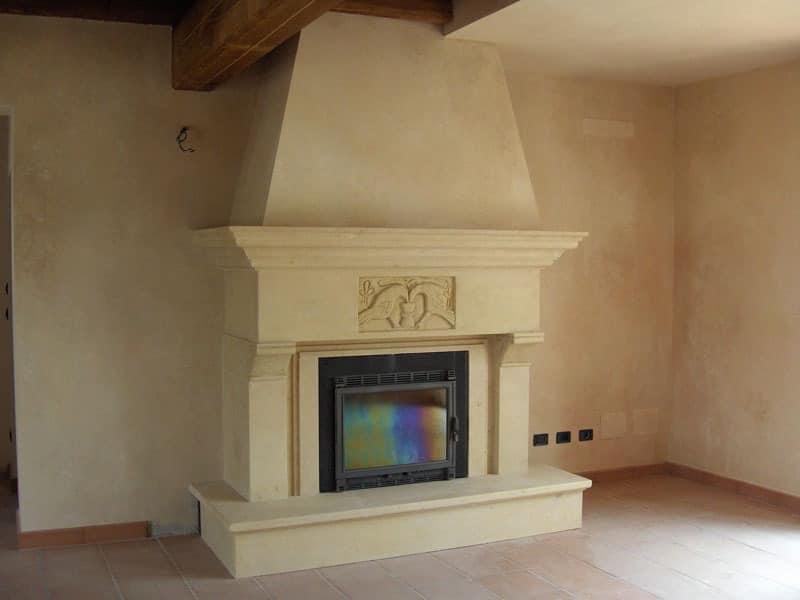 Fireplace Bologna, Struktur aus in Vicenza gelben Stein für den Kamin
