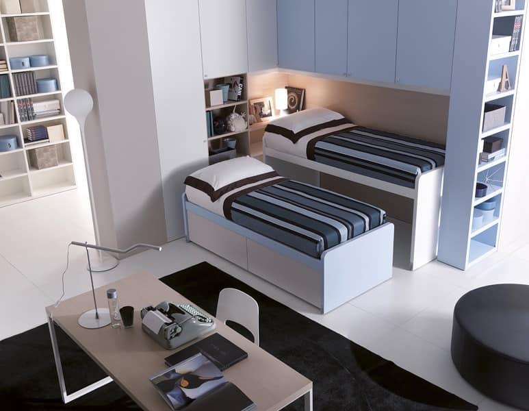 kinderzimmer mit drei betten ecke br cken idfdesign. Black Bedroom Furniture Sets. Home Design Ideas