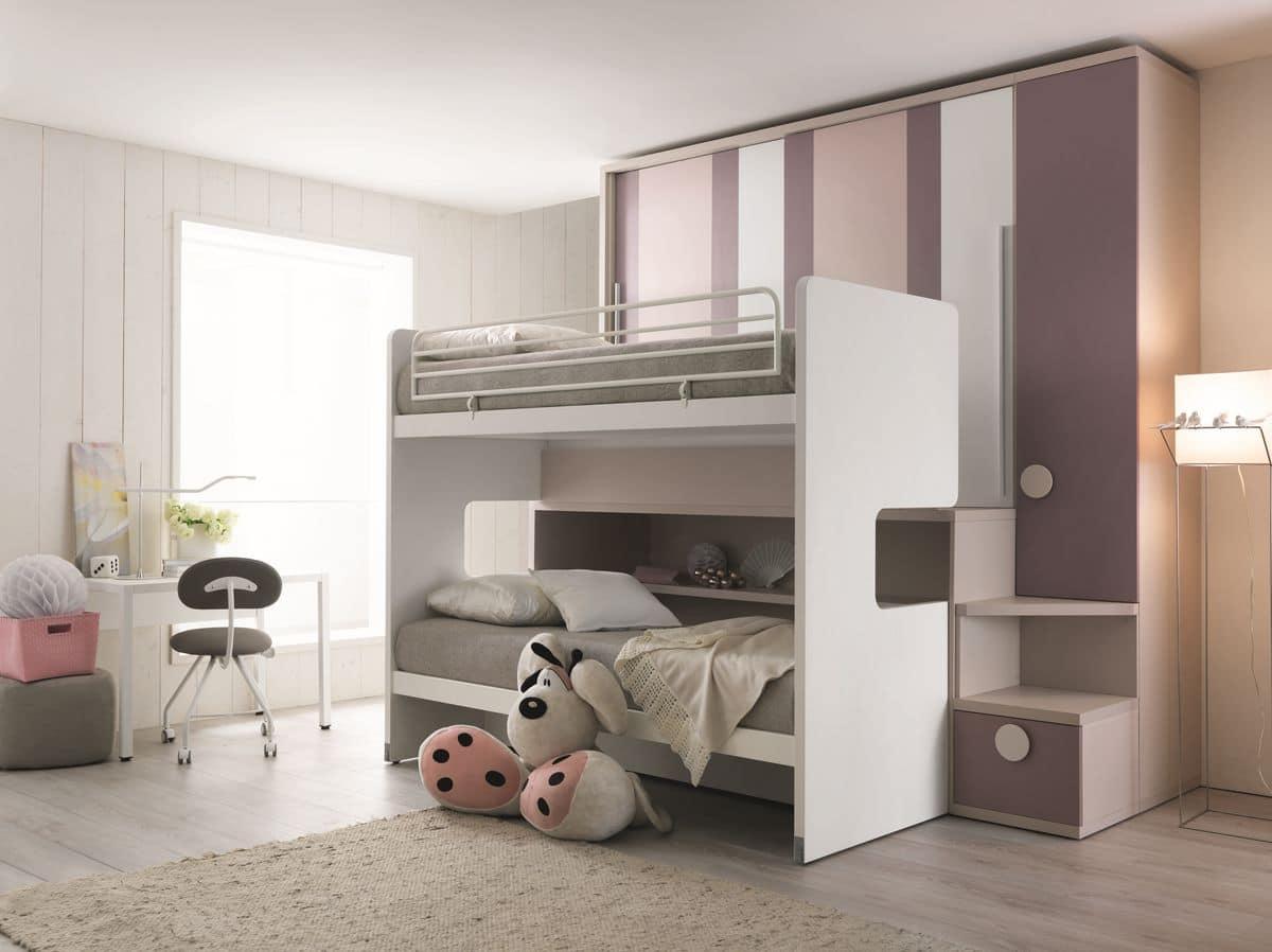 platzsparend schlafzimmer mit drei betten und kleiderschrank idfdesign. Black Bedroom Furniture Sets. Home Design Ideas